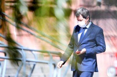 El cuestionado vocero presidencial Juan Pablo Biondi, al llegar a la Casa Rosada.