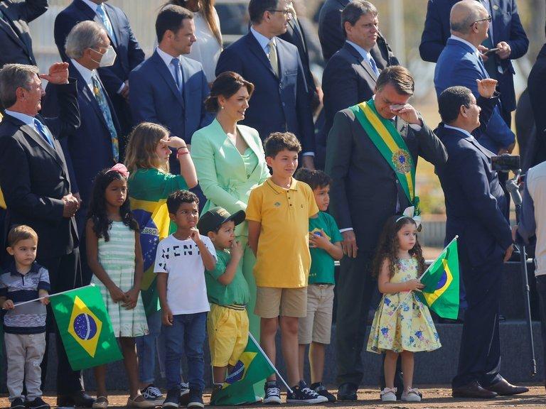 Jair Bolsonaro amenaza con suprimir la Corte Suprema de Brasil