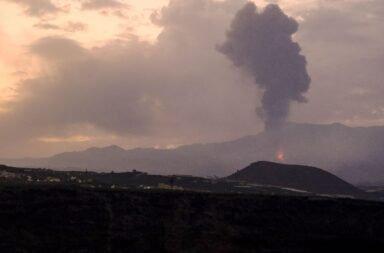 La lava del volcán de La Palma entró en contacto con el mar: los efectos sobre la salud y el ecosistema