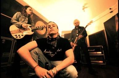 Airbag presenta su nueva canción y video: 'Intoxicarme'