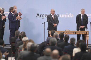Alberto Fernández le tomo juramento a los nuevos ministros