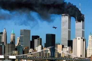 El atentado a las torres gemelas del 11 de septiembre de 2001.