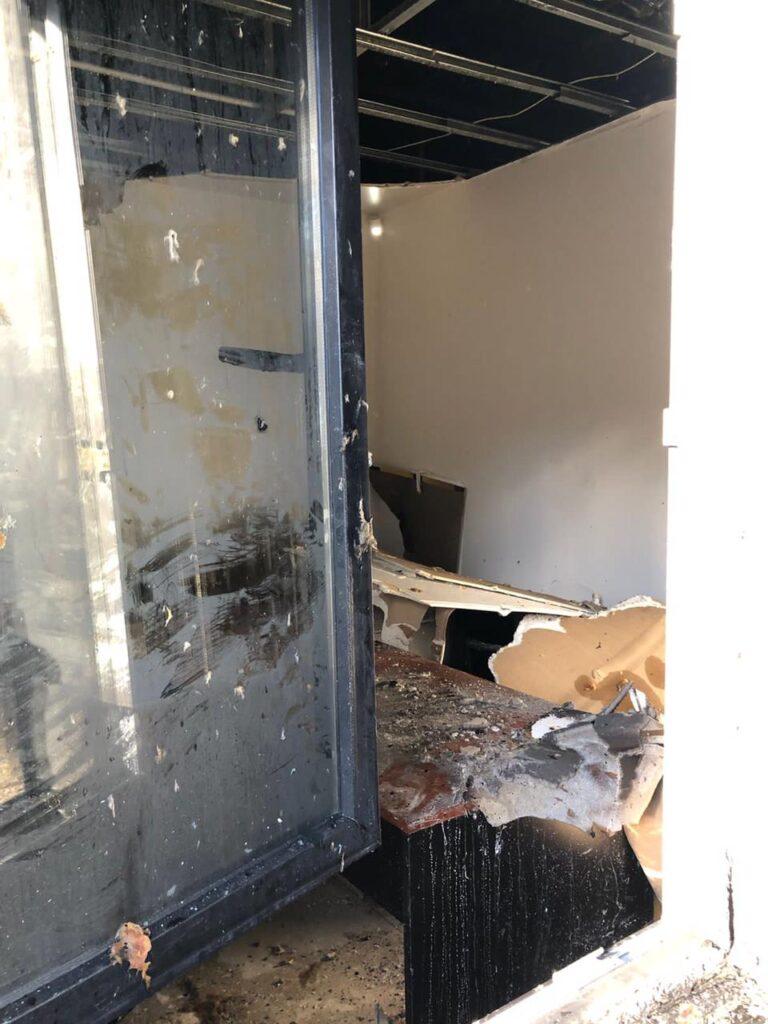Prendieron fuego una oficina turística de Río Negro: para la gobernadora fue un acto de