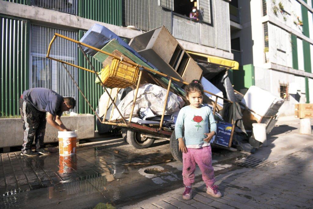 Denuncian que las familias desalojadas en Retiro