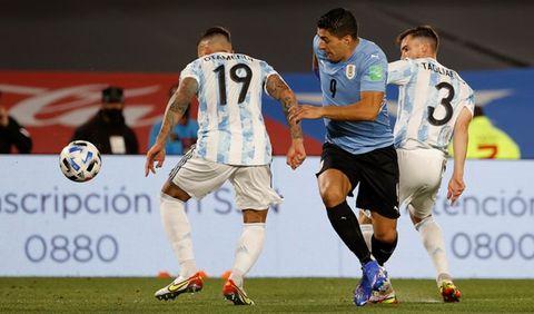 Argentina goleó a Uruguay 3 a 0 en una noche mágica de un fútbol brillante