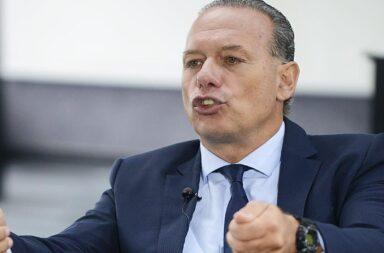 Sergio Berni denunció que grupos de la policía bonaerense amenazan con un paro