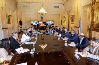 Con algunas ausencias, el Gobierno Nacional firmó con el gobernadores el acuerdo para el control de precios y abastecimiento de la canasta básica