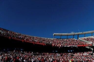 Aumentarían hasta un 75% el aforo para los estadios de fútbol