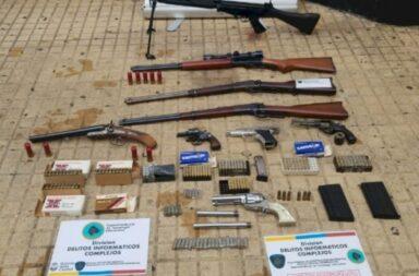 Secuestraron un arsenal de armas militares de un domicilio de Capital Federal